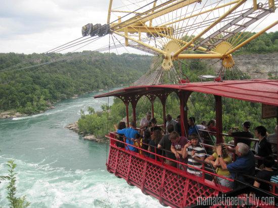 The whirpool aerocar fue nuestra atracción favorita aparte de las Cataratas dentro del Parque del Niagara, en Canada.