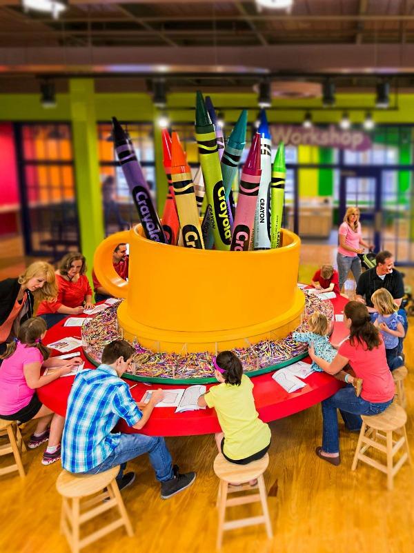 Crayola experience, otro de los lugares para visitar en familia en Pennsylvania.
