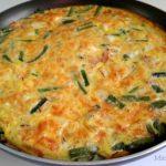 Tortilla de huevos, vainitas, jamon y queso