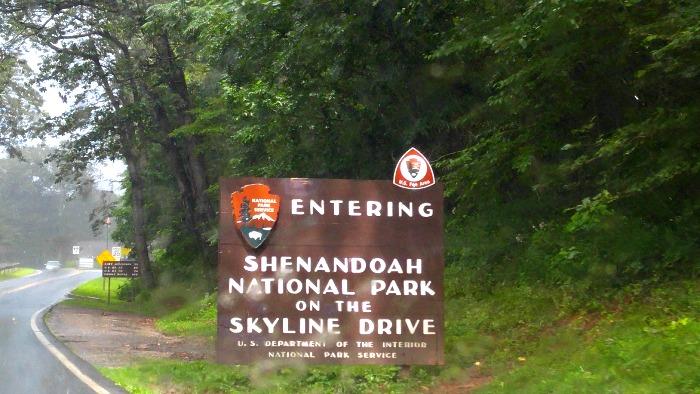 Una de las entradas a la carretera Skyline drive en Virginia