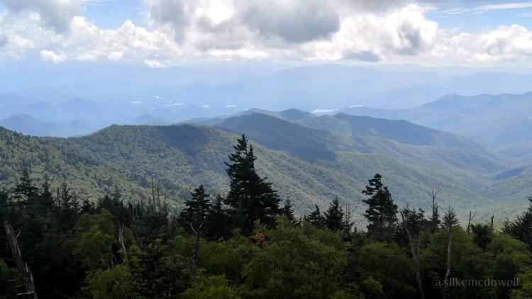 Un paseo en auto conociendo los alrededores de las montañas smokies the Great Smoky Mountains
