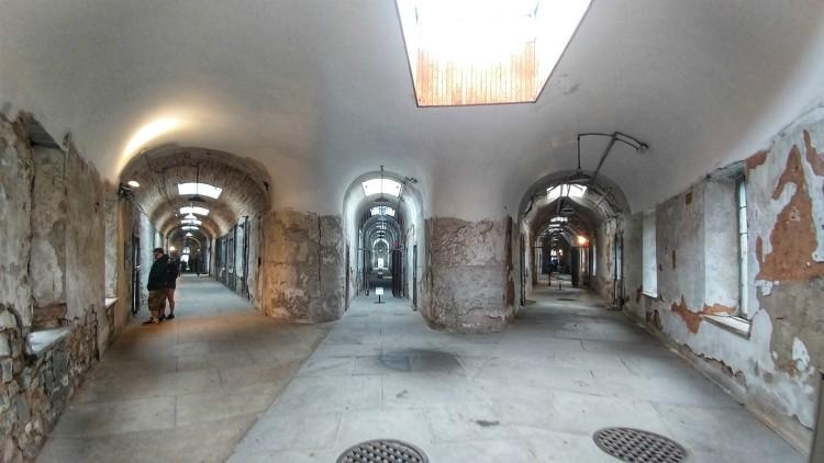Dentro de la carcel en Filadelfia. The Eastern State Penitentiary