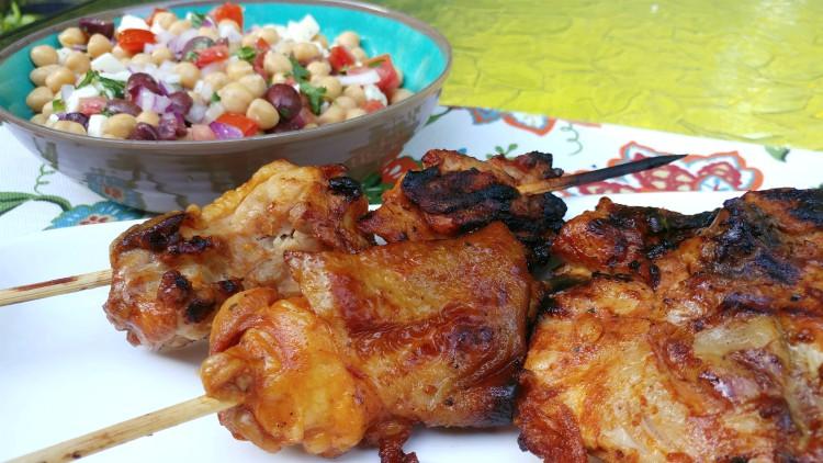 Pollo ranchero con ensalada